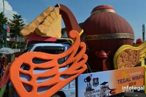 Karnaval HUT RI ke 68 di Kota Tegal